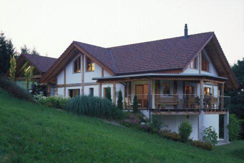 Verkauft: 6.5 - Zi. Einfamilienhaus in 4805 Brittnau: Wohnen wie in Kanada, aber Zuhause am Wald in Brittnau!