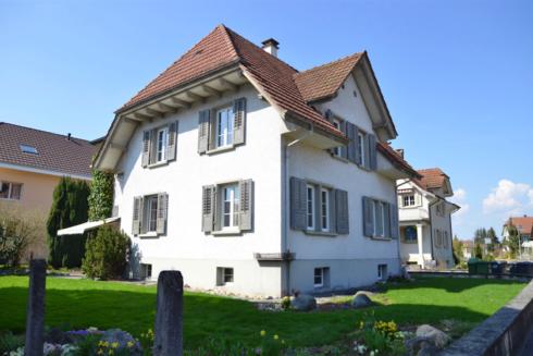 Verkauft: 6 - 8 - Zi. Einfamilienhaus in 4805 Brittnau: Charmante Zukunft für Altbauliebhaber