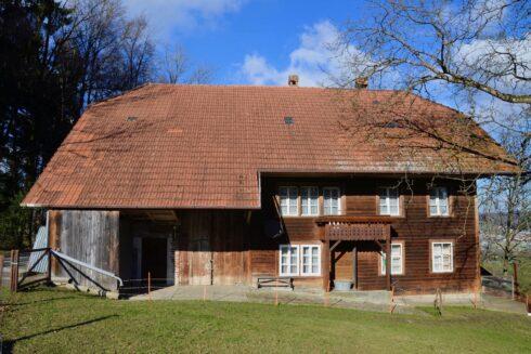 Verkauft: 7 Zi. - Bauernhaus in 4802 Strengelbach: Den Traum auf dem Land wohnen