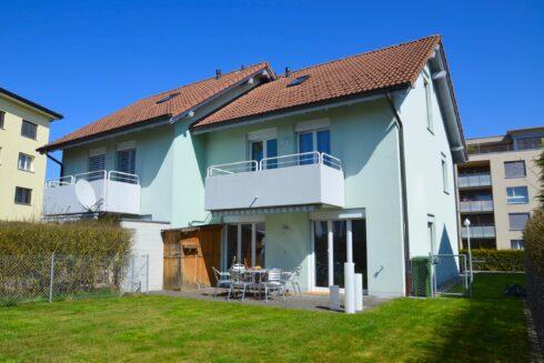 Verkauft: 5.5 - Zi. Doppeleinfamilienhaus in 4665 Oftringen: Das Richtige für Wohngeniesser