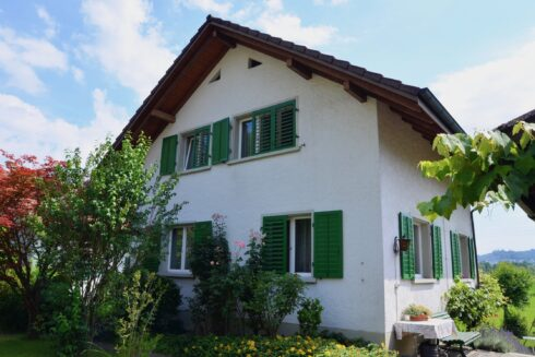 Verkauft: 6 - Zi. Einfamilienhaus in 4802 Strengelbach: Beste Aussichten für Ihr neues Zuhause!