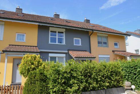 Verkauft: 5.5 - Zi. Reiheneinfamilienhaus in 4802 Strengelbach: Einziehen und wohnen