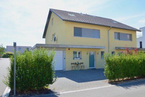 Verkauft: 5.5 - Zi. Doppeleinfamilienhaus in 4852 Rothrist: Geniessen Sie traumhafte Wohnatmosphäre