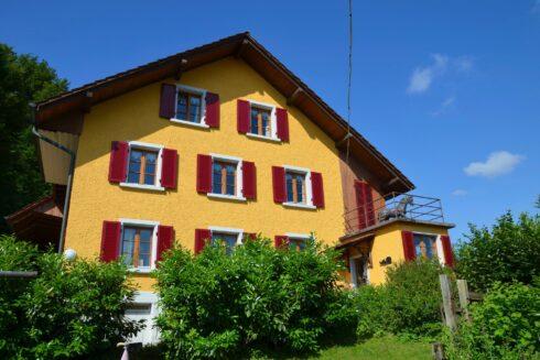 Verkauft: 2 - Familienhaus  in 4813 Uerkheim: Den Traum auf dem Land für Sie und Ihre Pferde!