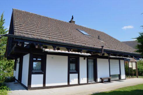 Verkauft: 5.5 - Zi. Einfamilienhaus in 4663 Aarburg: Lichtdurchflutetes Eigenheim im Grünen