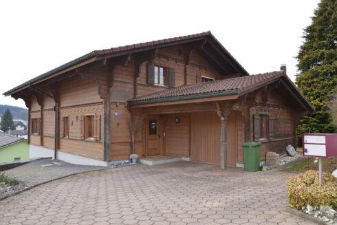 Verkauft: 5.5 - Zi. Einfamilienhaus in Buholzweg 5, 6264 Pfaffnau: Eigenheim im Chalet-Stil mit Blick über Pfaffnau