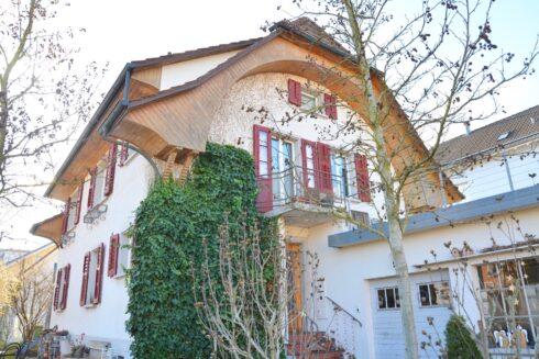 Verkauft: 8 - Zi. Einfamilienhaus in 4800 Zofingen: Erfüllen Sie Ihr Leben mit Charme!