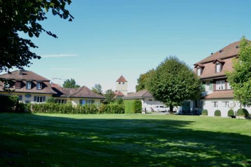 Verkauft: Herrschaftliches Anwesen mit Baulandreserve in 4800 Zofingen: Herrschaftliches Anwesen mit Baulandreserve