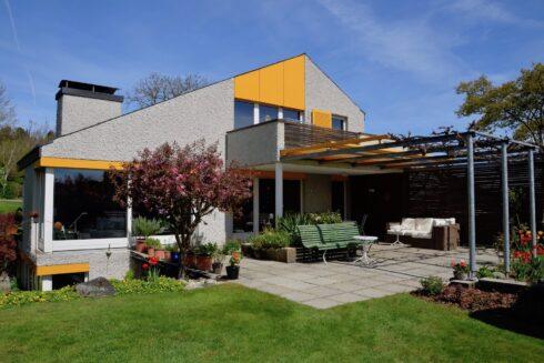 Verkauft: 7.5 - Zi. Einfamilienhaus in 4803 Vordemwald: Zentral wohnen in ländlicher Umgebung mitten in der Schweiz