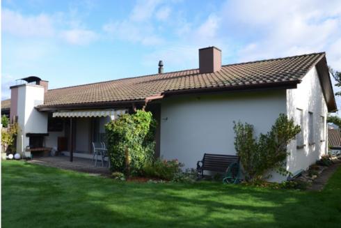 Verkauft: 5.5 - Zi. Doppel-Einfamilienhaus in 4852 Rothrist: Harmonisches Wohngefühl mit viel Privatsphäre