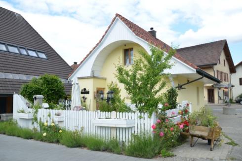 Verkauft: 2.5 - Zi. Einfamilienhaus in 4805 Brittnau: Wohntraum für das kleine Budget
