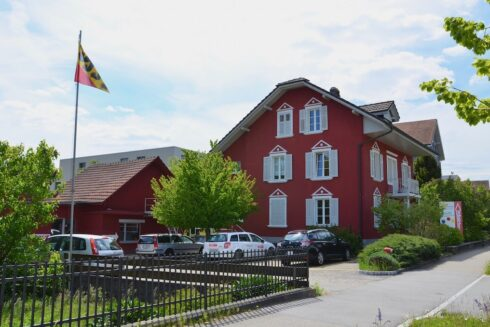 Verkauft: Wohn- und Gewerbeliegenschaft in 4852 Rothrist: Arbeiten und Wohnen unter zwei Dächer
