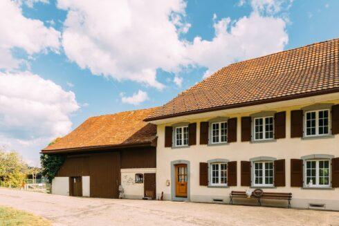 Verkauft: 6.5 - Zi. Einfamilienhaus in 4718 Holderbank: Liebevoll kernsaniertes Landhaus für Naturliebhaber
