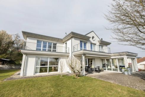 Verkauft: 6.5 Zimmer - Villa in 4665 Oftringen: Auserlesene Villa an atemberaubender Lage
