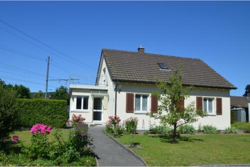 Verkauft: 4.5 - Zi. Einfamilienhaus in 4663 Aarburg: Vielseitige Liegenschaft mit Ausbaupotenzial