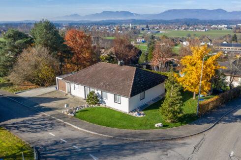 Verkauft: 4.5 - Zi. Einfamilienhaus in 4853 Riken: Familienoase an ruhiger Lage