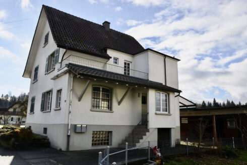Verkauft: 7.5 - Zi. Einfamilienhaus in  4856 Glashütten: Grosszügiges Einfamilienhaus mit Ausbaupotenzial