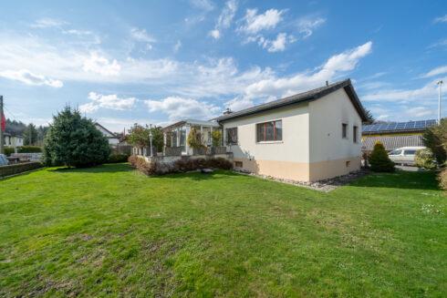 Verkauft: 5.5 Zimmer Einfamilienhaus in 5745 Safenwil: Einfamilienhaus mit Wintergarten und grossem Umschwung