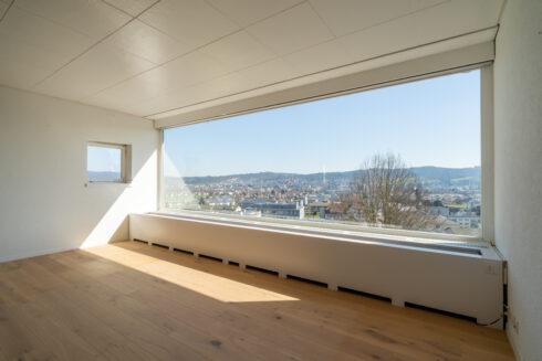 Verkauft: 6.5 Zimmer Einfamilienhaus in 4802 Strengelbach: Penthouse-Feeling mit Blick bis in die Alpen