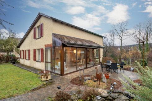 Verkauft: 5.5 Zimmer Einfamilienhaus in 5603 Staufen: Zu Fuss in 10 Minuten in der Stadt Lenzburg