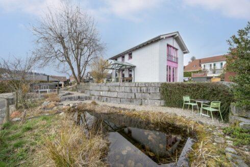 Verkauft: 4.5 Zimmer Einfamilienhaus in 5745 Safenwil: Einzigartiges Einfamilienhaus mit Idyllischer Gartenanlage