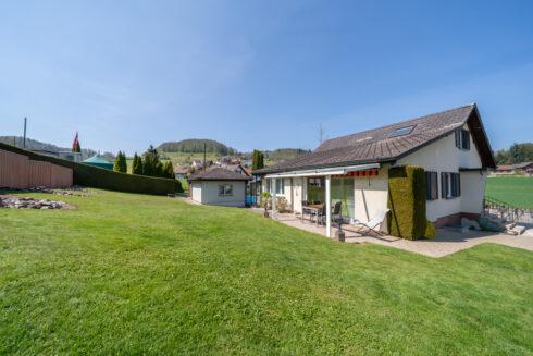 Verkauft: 4.5 Zimmer Einfamilienhaus in 5726 Unterkulm: Einfamilienhaus mit grossem Umschwung und Ausbaupotential